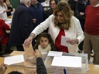 Susana Díaz votando el 20-D