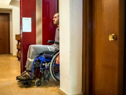 Discapacitados presos en sus casas