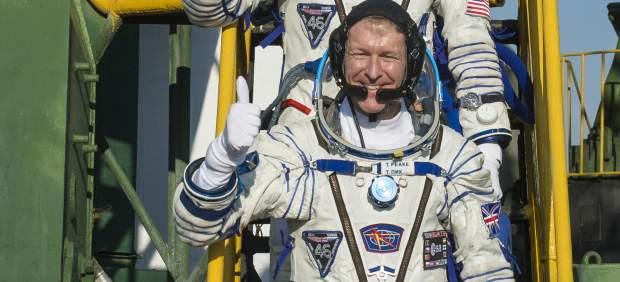 Un astronauta se disculpa: llamó por error a una señora y le dijo que telefoneaba desde el espacio