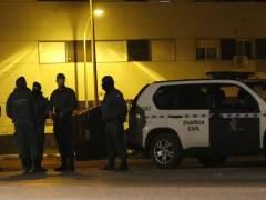 Fallece una niña de 13 años al descolgarse por el balcón para salir de fiesta