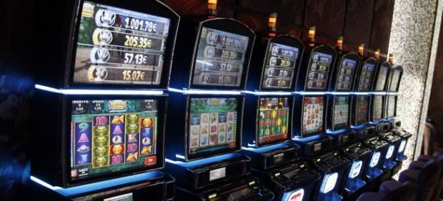 El nuevo fraude en máquinas tragaperras: falsear billetes con un método que parecía infalible