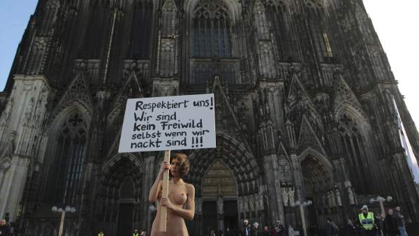 Protesta contra las agresiones en Colonia