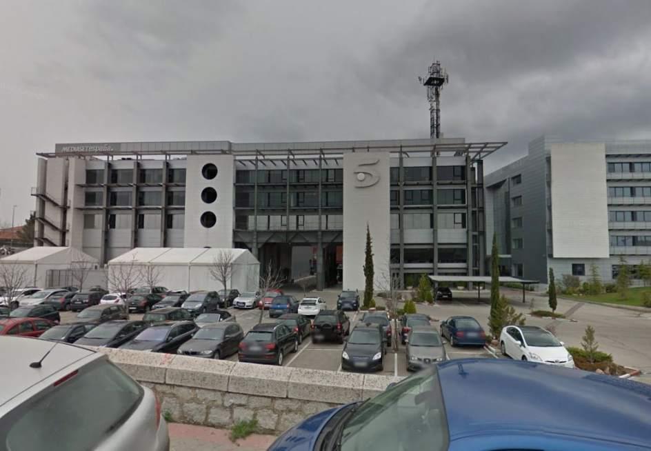 Polic as denuncian que un agente imputado defiende en for Telecinco fuera de espana