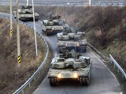 Tanques surcoreanos en la frontera con Corea del Norte