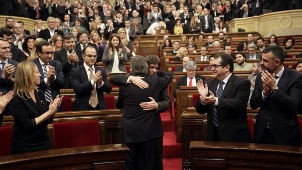 Abrazo Mas - Puigdemont