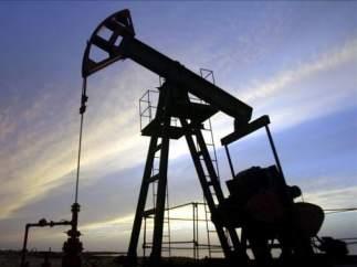 Por qué el petróleo no se encarece pese a los recortes de la OPEP... y cómo beneficia esto a los españoles