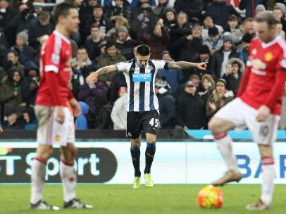 Mitrovic ante el United