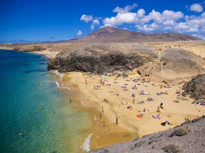 Playa del Papagayo en Lanzarote, Islas Canarias