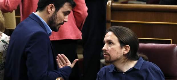 IU y Podemos pactan un programa electoral que incluye renta garantizada y banca pública