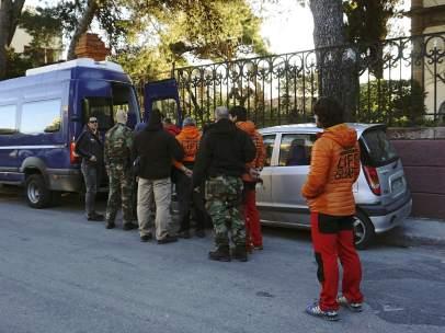 Detención de bomberos españoles