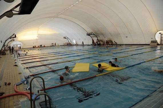 La piscina del tiro de l nea cumple este martes tres a os - Piscinas cubiertas sevilla ...
