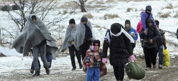 Los países balcánicos acuerdan dejar pasar cada día a 580 refugiados