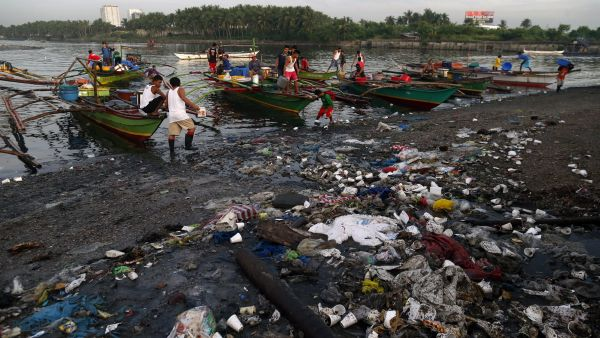 Más plástico que peces