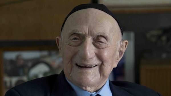 El hombre más anciano del mundo es un superviviente del Holocausto