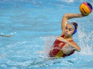 Beatriz Ortiz en el España - Holanda de waterpolo