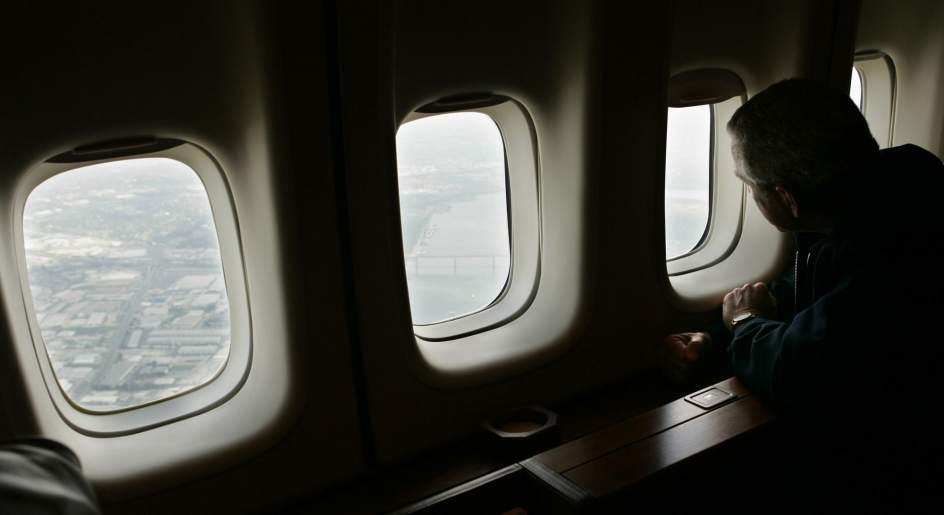 Image result for aviones ventanas redondas