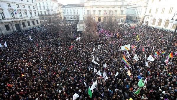 Manifestantes a favor del matrimonio homosexual en Italia