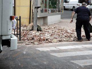 Limpiando los escombros