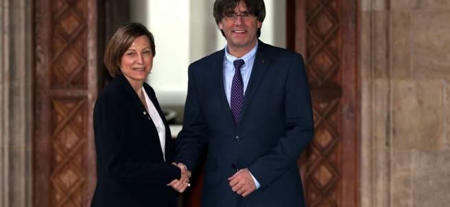 La presidenta del Parlament, Carme Forcadell, se reúne con el president de la Generalitat, Carles Puigdemont.