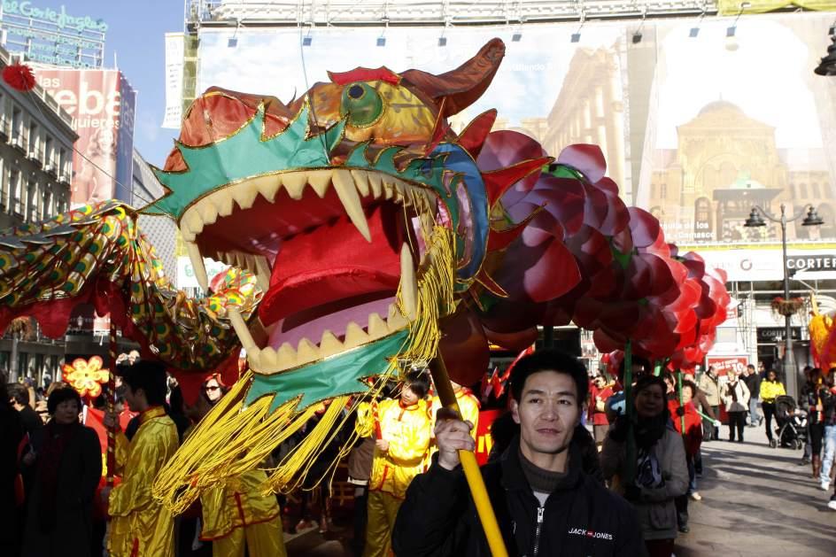 Usera el chinatown madrile o epicentro del a o nuevo chino for Espectaculo chino en mexico