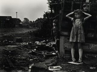 Janet Mendelsohn, The street (c.1968)