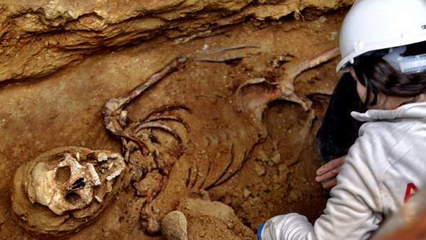 Exhumación de Timoteo Mendieta
