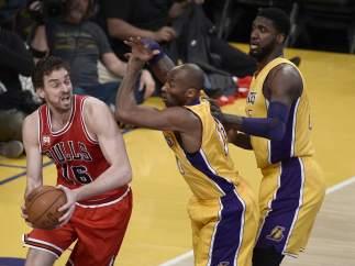 Pau Gasol ante los Lakers