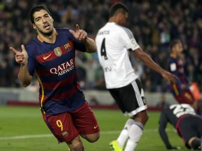 Gol de Luis Suárez al Valencia