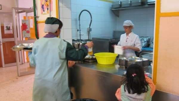 La Síndica de Barcelona pide priorizar las becas comedor que cubren ...