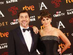 Penélope Cruz y Javier Bardem, juntos y aclamados en la alfombra de los Goya