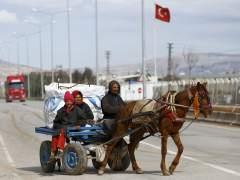 Aumentan a 45.000 los desplazados sirios cerca de la frontera turca