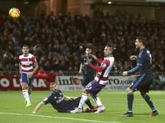 Un zarpazo de Modric rescata al Real Madrid en Granada