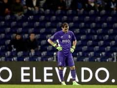 El declive de Casillas abre el debate en la selección