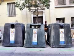 Los actos vandálicos obligan al Ayuntamiento a reponer el 10% de los contenedores de Madrid