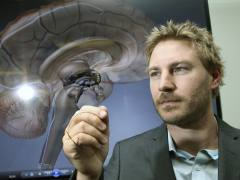 Un aparato permitirá que los paralíticos caminen utilizando su mente