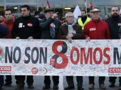 Líderes políticos y sindicales se concentran en apoyo a 'los ocho de Airbus'