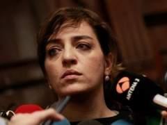 El partido de Celia Mayer censura a Carmena por no defender a los titiriteros
