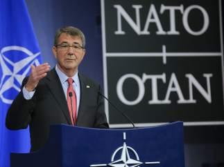 Ashton Carter tras la reunión de los ministros de Defensa de la OTAN