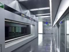 La nueva L9: estaciones amplias y modernas
