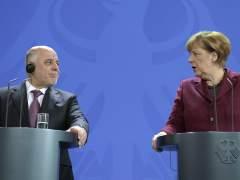Merkel presta 500 millones de euros a Irak