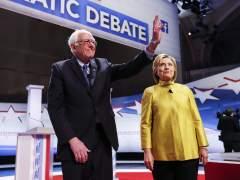 Clinton sube el tono contra Sanders tras su derrota en New Hampshire