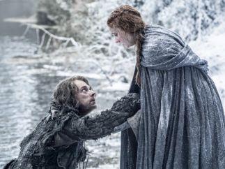 Sansa Stark ayuda a Theon Greyjoy