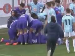 Un médico salva la vida a un futbolista