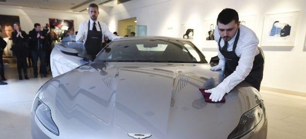 Un Aston Martin de Bond, a subasta