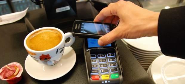 El pago por teléfono móvil se abre paso en España