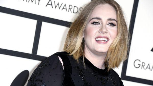 Adele pide disculpas por sus 'gallos' en los Grammy