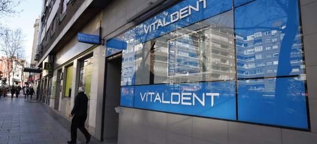 Fachada de una clínica Vitaldent