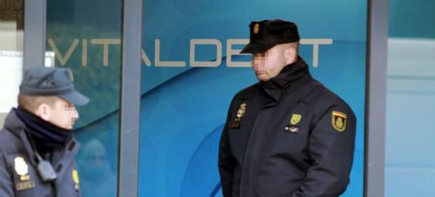 El juez pone en libertad a uno de los dueños de más franquicias de Vitaldent en España