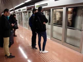 Andén de la L9 del metro