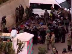 Cientos de inmigrantes que intentaron cruzar la valla